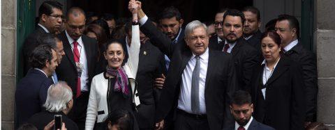 Primera mujer electa en gobernar Ciudad de México elimina cuerpo antimotines
