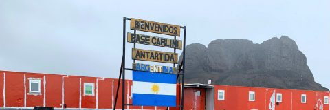 Heavy metal rock and diving, Argentine base captivates scientific leaders