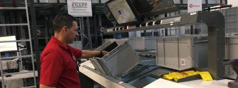 Supermercado latino estrena recogida automatizada de productos de estanterías