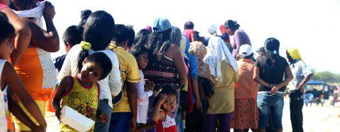 México entrega alimentos para damnificados por las inundaciones en Perú