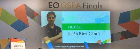 Joven mexicano gana premio internacional con detector de cáncer de mama
