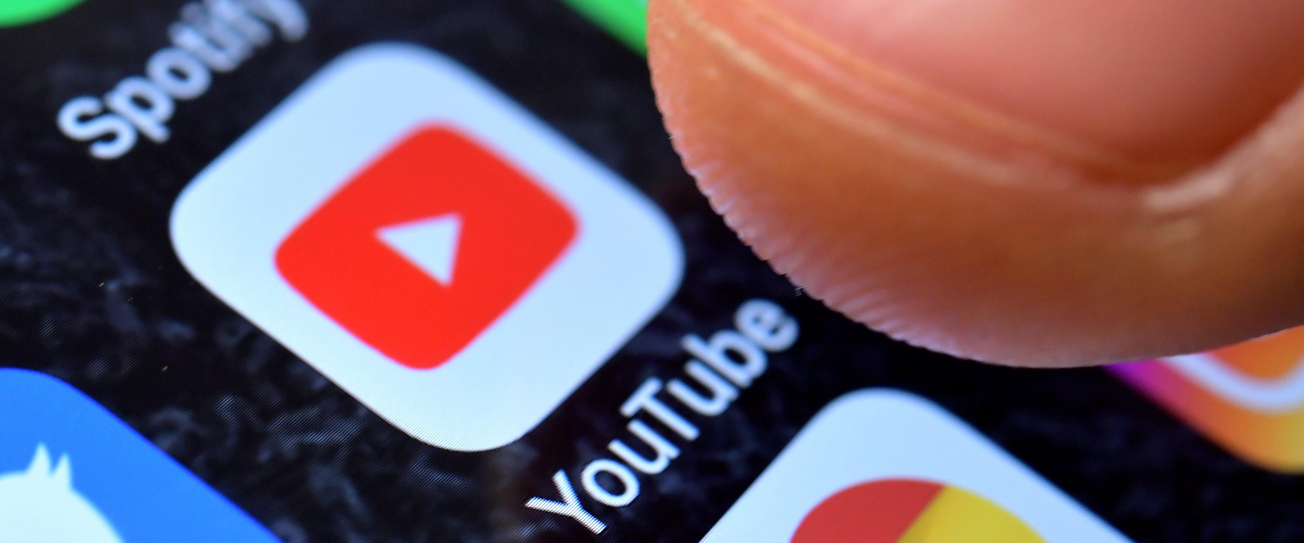 Resultado de imagen para YouTube invertirá 25 millones de dólares para combatir las noticias falsas