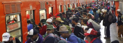 Migrant caravan leaves Mexico City headed north