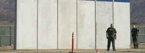 """Trump evalúa un """"plan B"""" por si el Congreso le niega el dinero para el muro"""