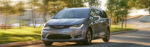 The new 2019 Chrysler Pacifica Hybrid Limited