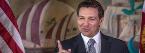 Gobernador de Florida promulga ley que permite la marihuana medicinal fumable