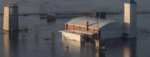 Reconstrucción será larga y costosa tras catastrófica inundación en 6 estados
