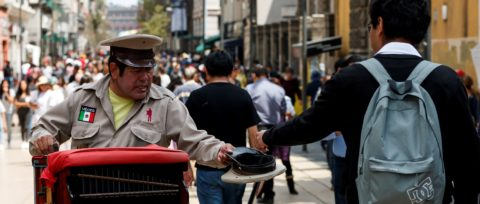 Mexico City's organ grinders defy the changing times, keep on playing