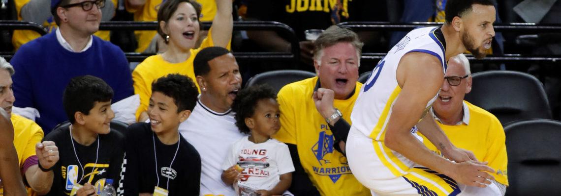 121-104. Curry se exhibe con 38 puntos y Warriors ganan fácil a Clippers