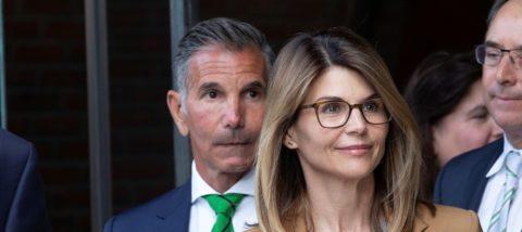 Lori Loughlin defiende su inocencia en la red de sobornos en universidades